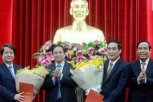 Trao quyết định của Bộ Chính trị cho Bí thư tỉnh ủy Phú Thọ