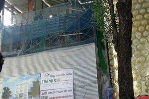 Sập công trình ở trung tâm TPHCM, 3 người thương vong