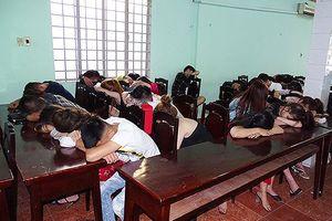 Gần 50 nam thanh nữ tú thuê nhà riêng để mở 'tiệc ma túy'