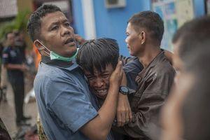 Indonesia: Cận cảnh loạt ảnh rúng động về trận sóng thần khiến 1.000 người thương vong