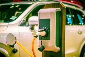 Phát triển công nghệ 'xe xanh' giải quyết thách thức môi trường