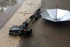 Hà Nội: Điều tra vụ đoàn làm phim tư liệu bị đập hỏng máy quay