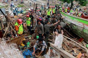 Sóng thần tại Indonesia: 222 người thiệt mạng, hơn 800 người bị thương