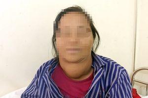 Người phụ nữ 20 năm mang khối u 'khủng' ở cổ mà không điều trị