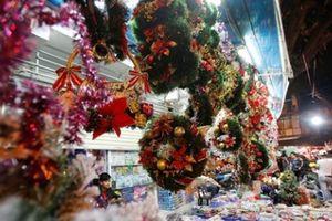 Không khí đón Giáng sinh rộn ràng khắp cả nước