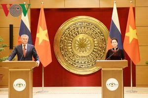 Chủ tịch Quốc hội và Chủ tịch Duma Quốc gia LB Nga họp báo