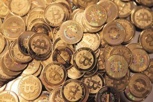 Giá Bitcoin hôm nay 24/12: Tăng nhẹ, ổn định tại 4.000 USD