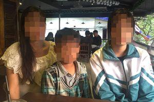 Người mẹ lên tiếng sau khi con gái bị bố bạo hành dã man: 'Các con tôi bị đánh hơn 3 năm nay, chúng tôi chỉ biết chịu đựng'