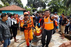 Thảm họa sóng thần tại Indonesia: Nỗ lực tìm kiếm người sống sót