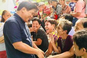 Nghị sĩ Philippines bị bắn chết khi đang trao quà Giáng sinh