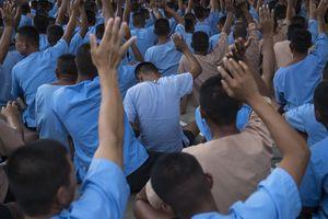 Tù nhân Thái Lan leo tường vượt ngục bị điện giật chết