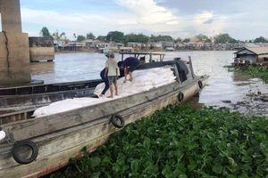 Bộ Công an phá đường dây buôn gần 100 tấn hàng lậu trên sông