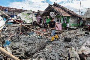 373 người chết, Indonesia chạy đua tìm kiếm nạn nhân sau sóng thần
