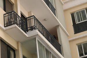 Hiểm họa từ lan can chung cư cao tầng
