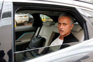 Văn phòng của Mourinho bị dọn sạch đồ chỉ trong vòng 15 phút