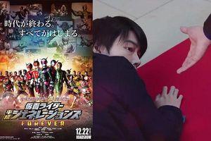 Satoh Takeru bất ngờ xuất hiện trong 'Kamen Rider Heisei Generations Forever'