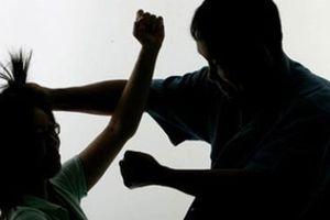 Bị chồng đánh vì mê bài bạc lô đề