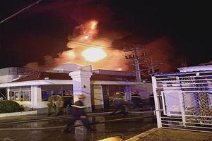 Đang cháy lớn ở Khu công nghiệp Trà Nóc