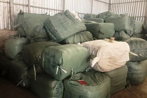 Bộ Công an phá đường dây buôn lậu 90 tấn hàng ở An Giang