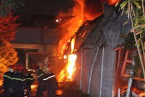 Cháy nhiều giờ ở khu công nghiệp Cần Thơ