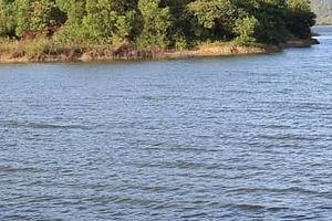 Chìm thuyền trên hồ Đa Tôn, 3 người chết, 1 người nguy kịch