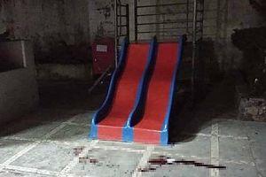 Đang chơi ở sân chung cư, bé 3 tuổi tử vong vì bị gạch rơi trúng đầu
