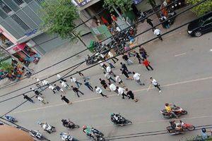 50 người hỗn chiến, náo loạn khu phố ở Sài Gòn