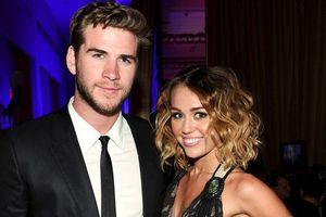 Miley Cyrus gấp rút tổ chức đám cưới với Liam Hemsworth là vì đã mang bầu?