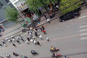 Gần 50 thanh niên cầm hung khí, hỗn chiến kinh hoàng ở Sài Gòn