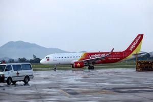 Máy bay Vietjet tiếp tục bị cảnh báo trục trặc, phải đình chỉ bay ở Nội Bài