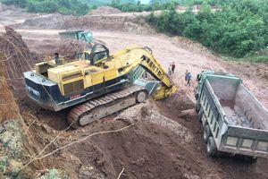 Quảng Ninh: Dàn xe quá tải gắn mác Trường Lộc 'tung hoành' trên Quốc lộ 18A
