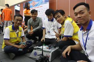 Những 'chiến binh' trên sàn đấu robot