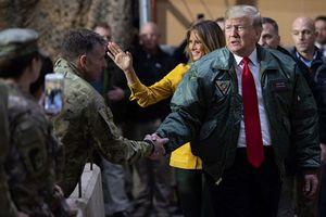 Mỹ từ bỏ 'vai trò lớn' sau chuyến bay bất thường tới Iraq của ông Trump