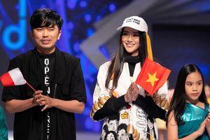 Hoa hậu Trái đất 2018 Phương Khánh lần đầu diễn thời trang