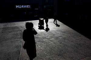 Nhà Trắng khởi động chiến dịch 'thanh trừng toàn diện' Huawei và ZTE trên đất Mỹ