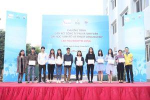 Trao học bổng STF-PNJ cho sinh viên Hà Nội