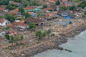 Cảnh tượng như 'vùng chiến sự' sau thảm họa sóng thần Indonesia