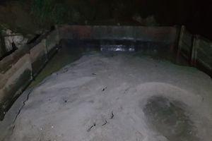 Quảng Nam: Truy 'cát tặc' trên sông Yên, đối tượng vứt thuyền bỏ chạy