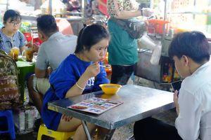 9 tháng, hơn 6.200 cơ sở kinh doanh thức ăn đường phố ở TP.HCM vi phạm an toàn thực phẩm