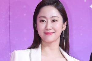 Tình cũ Lee Jun Ki xinh đẹp, mỹ nhân Running Man gợi cảm trên thảm đỏ