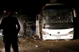 Nhân chứng kể lại vụ việc xe chở khách bị đánh bom ở Ai Cập