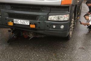 Hai mẹ con bị xe tải tông tử vong thương tâm ở Yên Bái