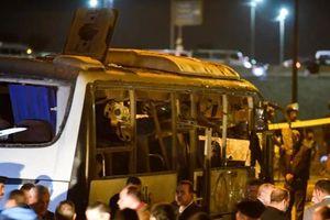 Vì sao kẻ khủng bố lại đánh bom chiếc xe chở du khách Việt?
