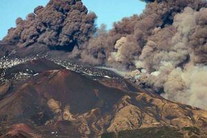 Italy ban bố tình trạng khẩn cấp do núi lửa Etna hoạt động trở lại
