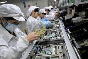 Foxconn và Apple chuyển bớt bộ phận lắp ráp iPhone từ Trung Quốc sang Ấn Độ