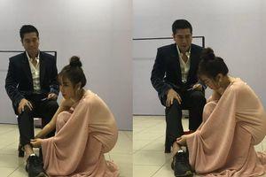 Lưu Hương Giang từ vợ hiền hóa thân 'soái tỉ', 'nâng khăn sửa túi' cho Hồ Hoài Anh sau hậu trường