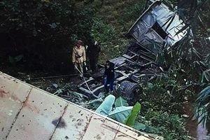 Lạng Sơn: Container lao xuống vực sâu 20 mét, tài xế tử vong trong cabin