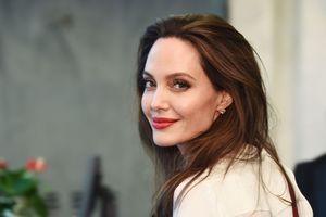 Tin ảnh: Angelina Jolie sẽ quyết định táo bạo? Người Việt thiệt mạng tại Ai Cập