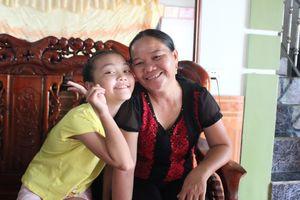 Quán quân 'The Voice Kids' Hà Quỳnh Như được mẹ đưa đi thi chỉ với 300.000 đồng