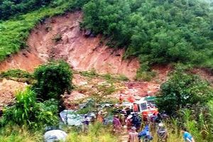 Sạt lở nghiêm trọng tại Khánh Hòa, 3 người trong 1 nhà tử nạn